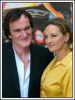 Zoe Bell junto con Tarantino en el estreno de Death Proof