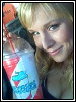 Kristen Bell bebe Slusho!