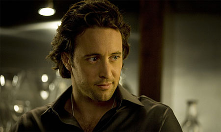 Alex O'Loughlin protagonizará el remake de Hawaii 5-0