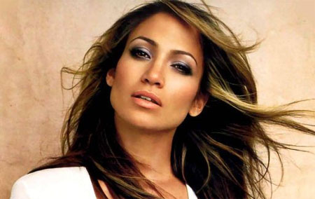 Jennifer Lopez podría aparecer en Glee