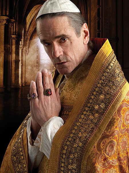 Jeremy Irons es Rodrigo Borgia en The Borgias