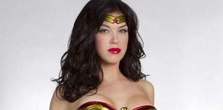 Primera imagen de Adrianne Palicki como Wonder Woman