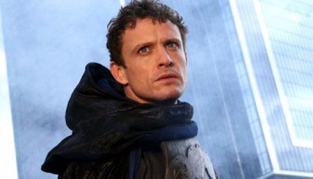David Lyons se une al reparto de Revolution