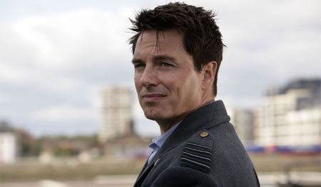 John Barrowman se une al reparto de Arrow