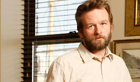 Dallas Roberts se une al reparto de la tercera temporada de The Walking Dead