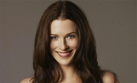 Bridget Regan ser la protagonista de Murder in Manhattan