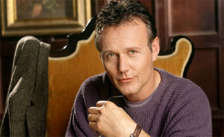 Anthony Head se une al reparto de The Selection