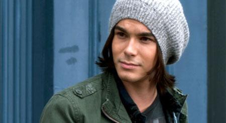 Tyler Blackburn será uno de los protagonistas de Ravenswood, el spinoff de Pequeñas mentirosas