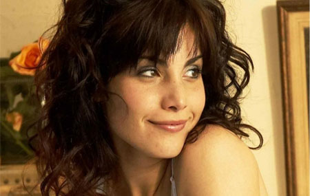 Carly Pope se une al reparto de The Tomorrow People