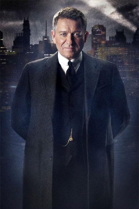 Gotham: Primera foto de Sean Pertwee como Alfred